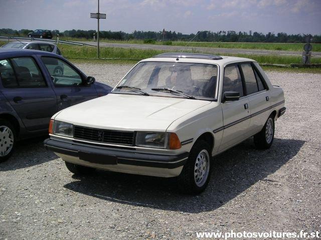 auto design: old car for sale peugeot 305 car features