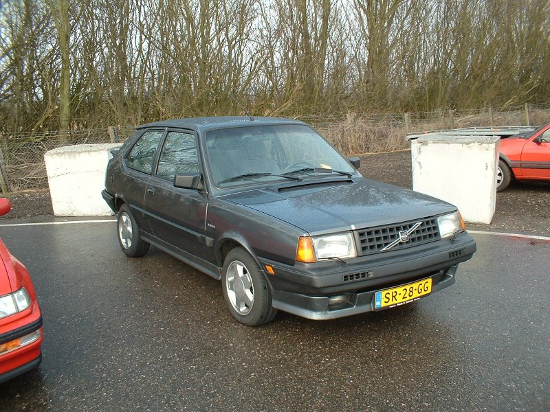bilmodel.dk » Volvo 360 GLE Sedan