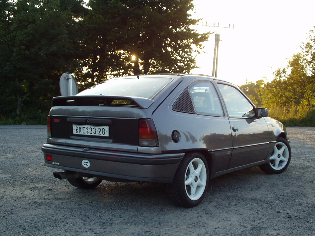 Opel kadett e 2 0i gsi 16v for Opel kadett e interieur
